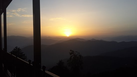 Wildflower Hall, Shimla in the Himalayas: breathtaking sunrise pic taken from room on my mobile