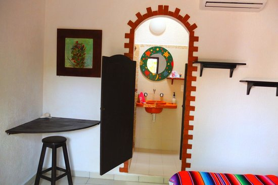 Pacha Tulum: Standard Bathroom