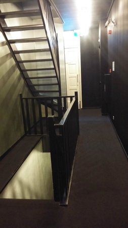 Hotel V Frederiksplein: Accès à la chambre
