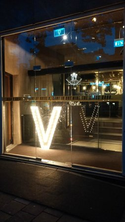 Hotel V Frederiksplein: Vue extérieure nuit