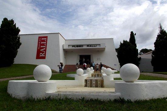 Museo Ralli: arte para todos os lados