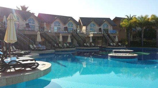 Long Beach Resort Hotel & Spa: poolvillas