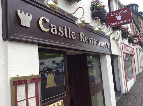 The Castle Restaurant: Front entrance