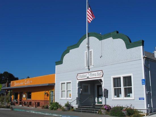 Beachcomber Cafe: Beachcomber is next door to our Town Hall