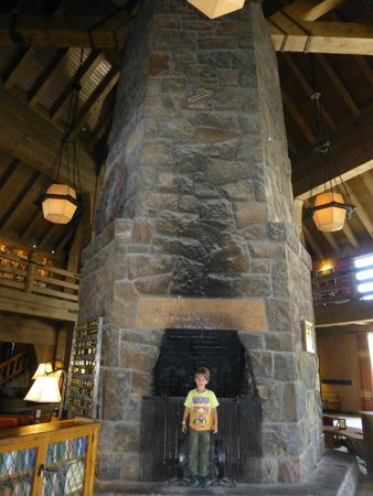 Timberline Lodge: Fantastic fireplace