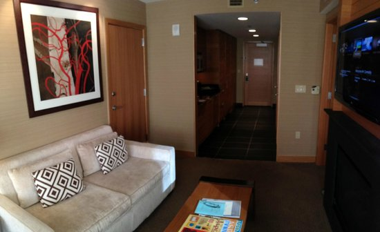 Viceroy Snowmass: Entry way to suite