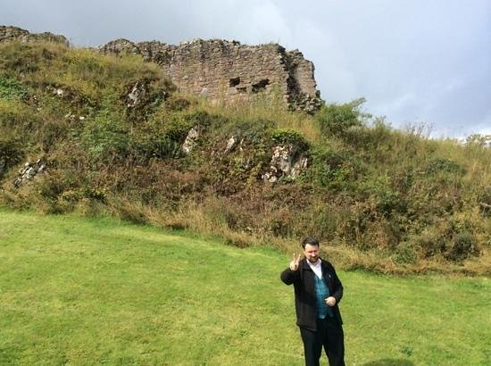 Urquhart Castle: Our Great Tour Guide