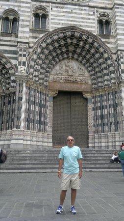 Cattedrale di San Lorenzo - Duomo di Genova : LINDA CATTEDRALE MILAGROSA