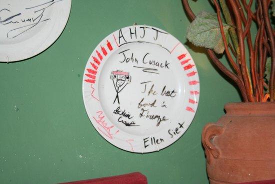 Acqua Al 2 : example of signed celebrity plates