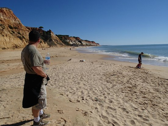 PortoBay Falesia : Beach looking East.