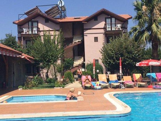 Ozturk Hotel Hisaronu : apart block