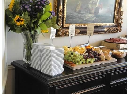 French Quarter Inn: Evening wine and cheese reception