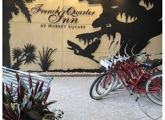 French Quarter Inn: Bikes available