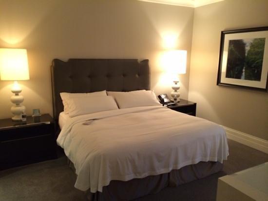 Waldorf Astoria Chicago: Bedroom area of the Waldorf Suite.