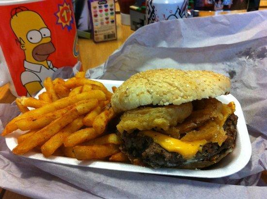 The BIG Apple - New York Deli at Port Jack: Doug Burger with fries