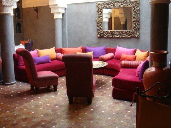 Riad Les Clefs Du Sud: Sala de estar