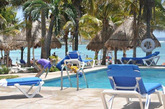 Hotel Akumal Caribe: Beautiful pool
