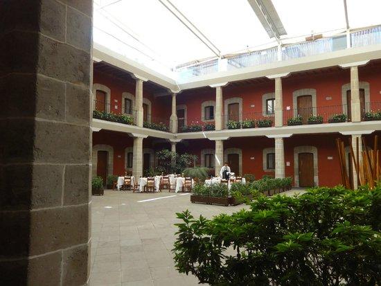 Boutique Hotel de Cortes: la cour interieure.