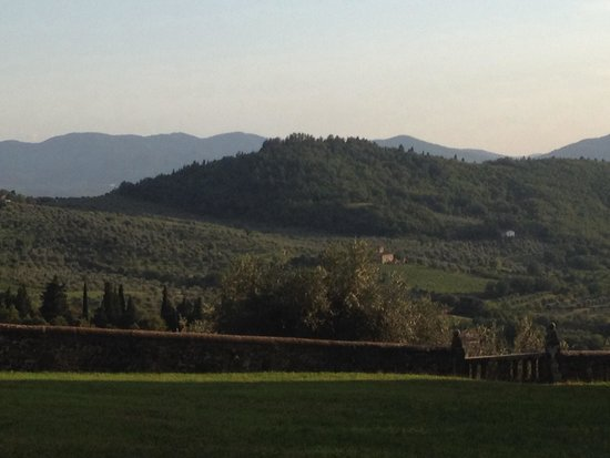 Grassina: Majestic view over Tuscan hills