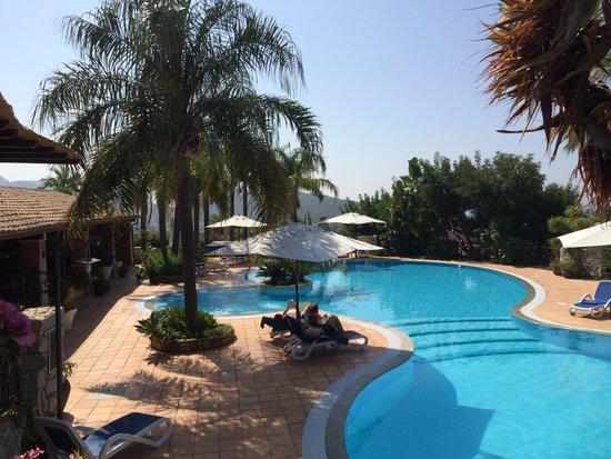 Cruccuris Resort: piscina