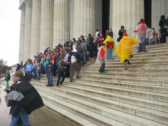 Lincoln Memorial: Visitors during the spring break