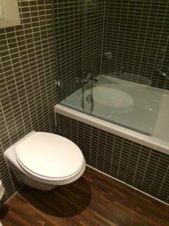 AC Hotel Firenze: bagno