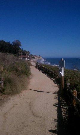The Ritz-Carlton Bacara, Santa Barbara : Nature paths along the ocean