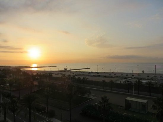 Barcelo Atenea Mar Adults Only : sunrise from our window 5th floor
