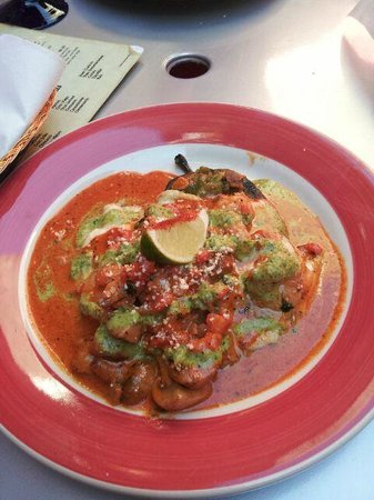 El Gato Negro Mexican Restaurant: Spicy shrimp stuffed poblano pepper