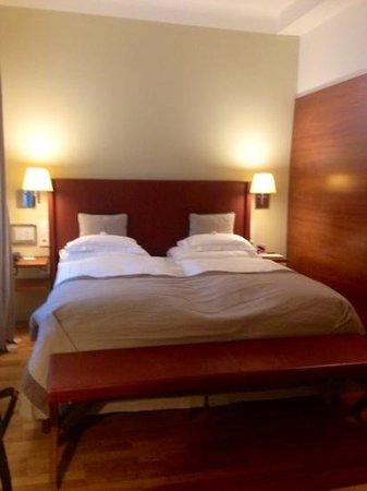 Hotel&Villa Auersperg: Camera tripla in villa (letto matrimoniale)