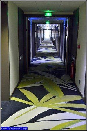 Hotel Roi Soleil Prestige : Couloir