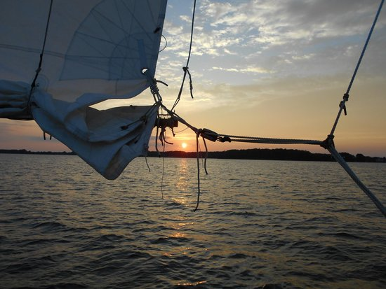 Skipjack -Rebecca T. Ruark Charter : Sunset and sail