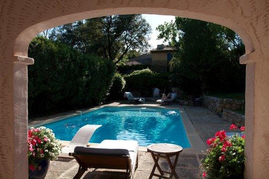 La Ferme: The lovely pool