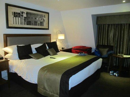 Bailbrook House Hotel: Big room