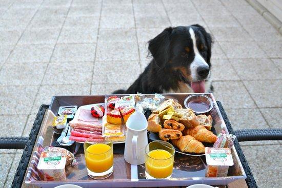 Hotel de la Baie de Wissant : petit-déjeuner sur la terrasse