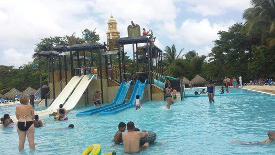 Sirenis Punta Cana Resort Casino & Aquagames: Área de niños en el parque acuatico