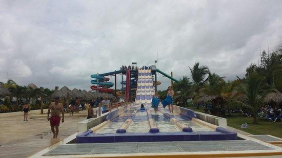 Sirenis Punta Cana Resort Casino & Aquagames: Parque acuatico