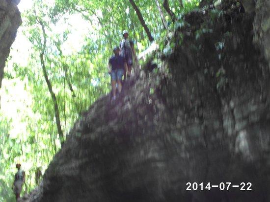 Damajaqua Cascades (27 Waterfalls): Yep we jumped from there!