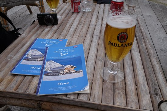 Rifugio Duca D'Aosta: Beer and menues