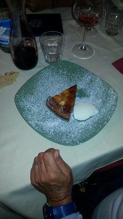 Il Panigaccio : Torta di mele...I dolci sono fatti dalla pasticcera!