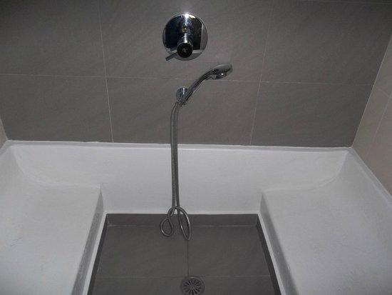 Veggera Hotel : bathroom