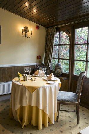 La Fleur de Lys: conservatory dining room