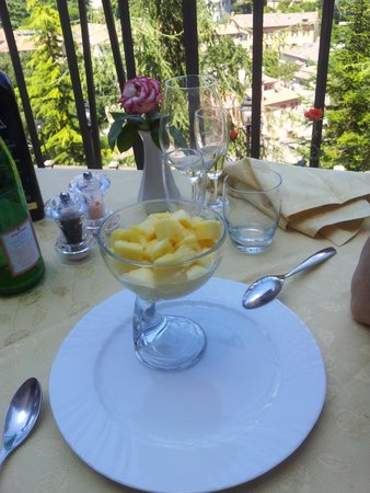 Ristorante Argentina : Mascarpone cream with fresh Pineapple