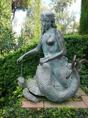 Jardin Santa Clotilde : Sirène de bronze