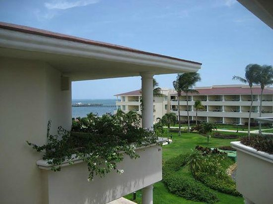 Moon Palace Cancun: Hall view of the (Sunrise) section ocean view