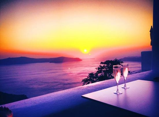 Astra Suites : Spectacular sunsets
