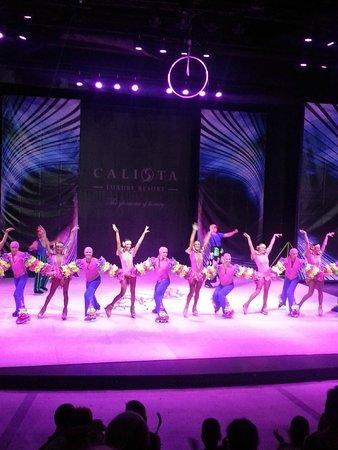 Calista Luxury Resort : show