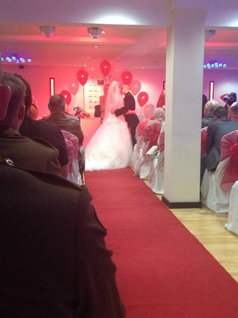 Tiffany's Hotel Blackpool: Sapphire suite ceremony
