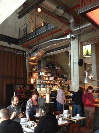 25hours Hotel HafenCity : reception