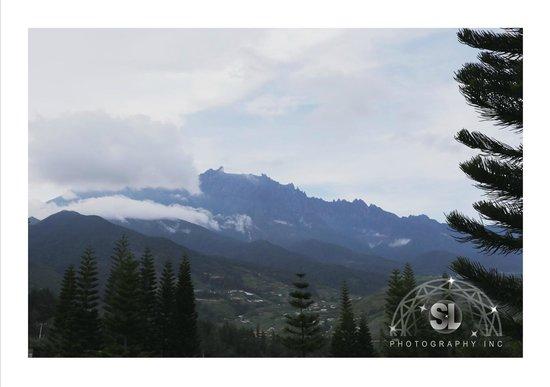 Kinabalu Pine Resort : The magnificient view of Mt Kinabalu